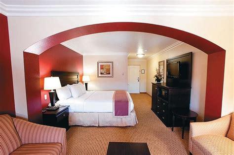 temecula hotel rooms la quinta inn suites temecula reviews photos rates ebookers