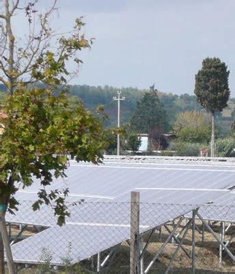 una calda estate di mercato ecomondo ladri verdi un ombra nefasta su di una idea solare