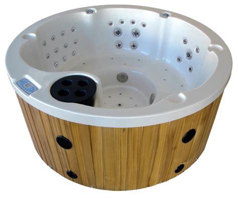 vasca idromassaggio esterno prezzi piscina idromassaggio da esterno prezzi