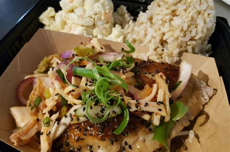 Kaka Ako Kitchen Honolulu Hi by Top Places To Eat In Hawaii Travel Associates
