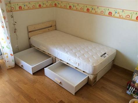 diy children s pallet bed unique diy projects to you can use to make stylish