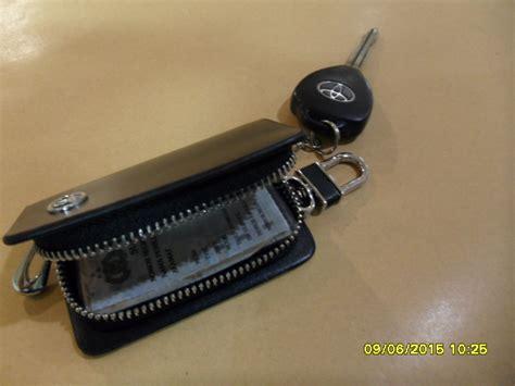 Dompet Kunci Mobil Bahan Kulit jual dompet kunci mobil motor bahan kulit hitam logo toyota eksklusif a2dc