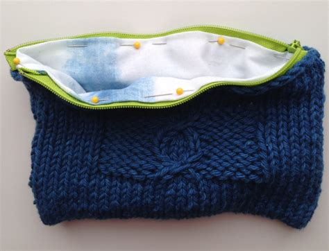 knitted zippered pouch pattern tutorial add a zipper and lining to your knitted bag