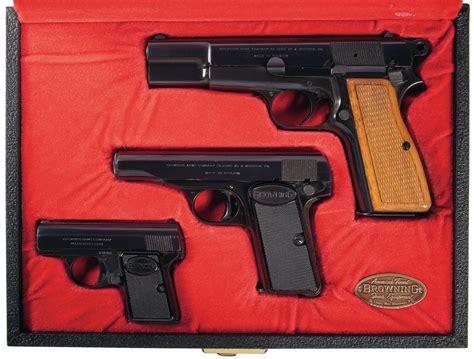 Gun Pistol Set cased browning three pistol set
