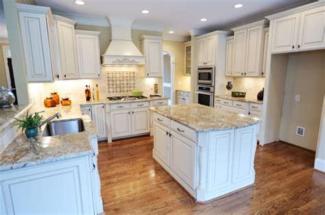 light granite countertops ideas  pinterest