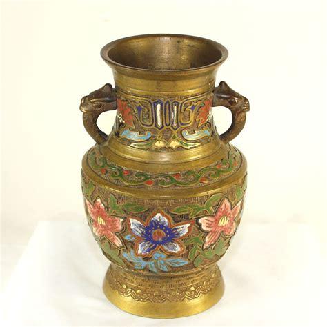 antique japanese chlev 233 jar with griffin handles from julietjonesvintage on ruby lane