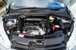 Peugeot 208 Motor Peugeot 207 Vs 208 Carwitter
