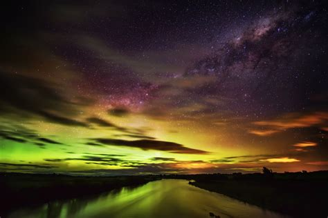 Southern Light by Images Cart The Australis