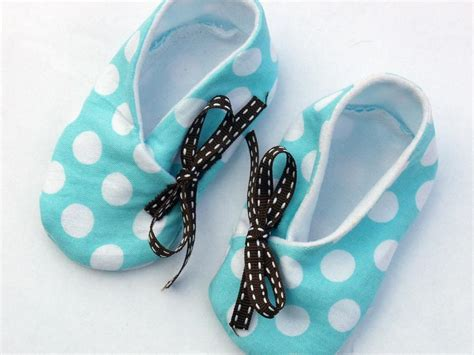 Free Pattern Baby Shoes | free sewing pattern kimono baby shoe in 3 sizes i sew free