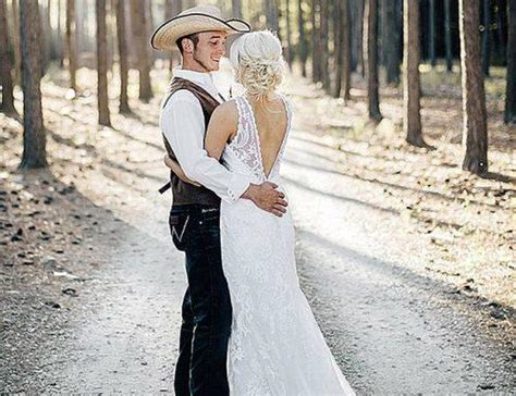 200  Of The Best Of Country Wedding Songs For Your 2018