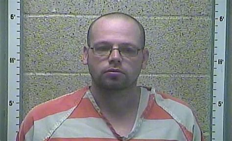 Henderson County Ky Warrant Search Henderson Suspect Arrested Found With Stolen Checks Bank Card 44news Evansville