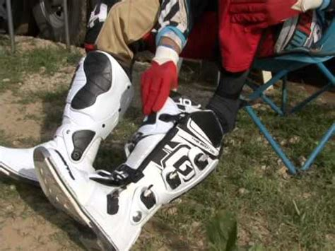 how to break in motocross boots muddy break in mx gear and alpinestar tech3 cross boots