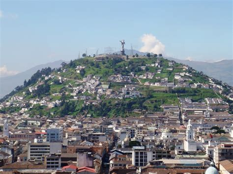 quito el panecillo