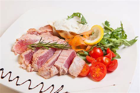 cucinare il tonno 5 modi per cucinare il tonno ristorante zodiaco rimini