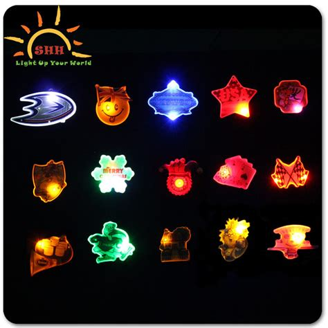 Custom Led Button Pins Light Led Flashing Lapel Pins For Light Up Pins