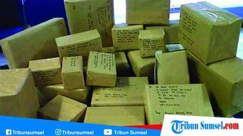 cek resi jne jt tiki pos indonesia  tracking paket    cukup masukan nomor resi