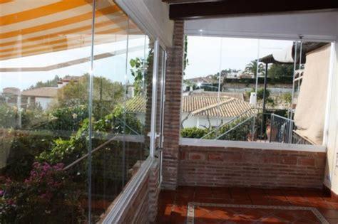 chiudere terrazzo casa moderna roma italy chiudere il terrazzo