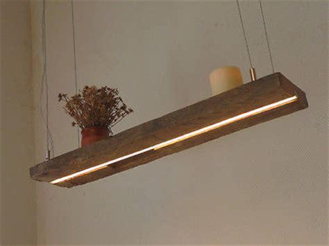 rustikale badezimmerbeleuchtung led le h 228 ngeleuchte holz antik balken leuchte holzle