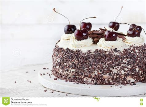 cara membuat whipped cream black forest black forest cake decorated with whipped cream and