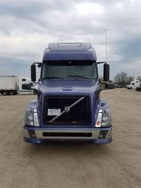 2006 volvo truck volvo vnl 670 2006 sleeper semi trucks