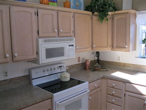 wainscoting kitchen backsplash wainscoting kitchen backsplash imgkid com the