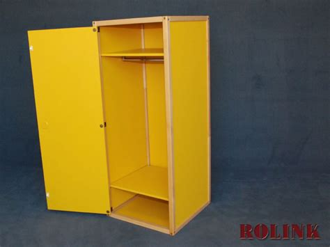 kleiderschrank container container mit t 252 r kleiderschrank natur gelb fl 246 totto