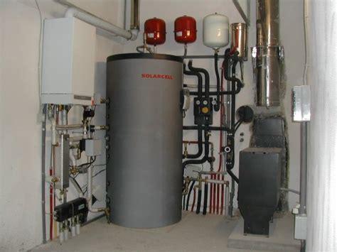 riscaldamento a pavimento con termocamino caldaia a gas termocamino a legna pellet solare