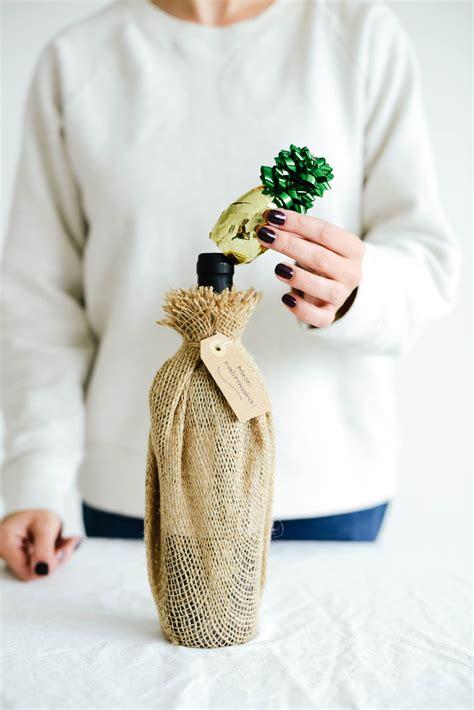 pineapple wine bottle topper lets mingle blog
