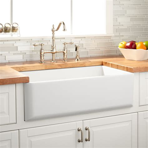 Kitchen With Farm Sink by 33 Quot Grigham Reversible Fireclay Farmhouse Sink White