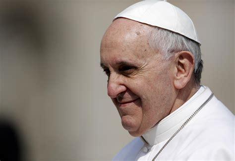 Papa Francesco papa francesco doner 242 l oro della chiesa ai poveri
