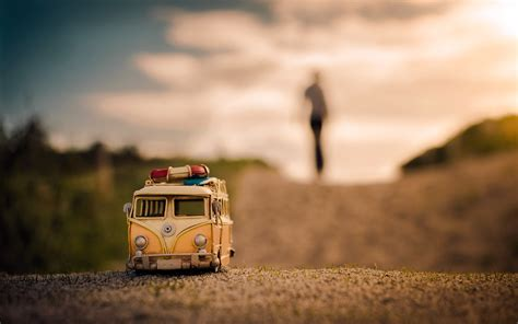 volkswagen kombi wallpaper hd toy car volkswagen gravel road hd wallpaper zoomwalls