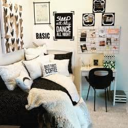 black and white room decor 1000 ideas about tumblr rooms on pinterest tumblr room