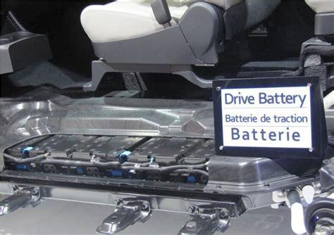 mitsubishi outlander phev battery mitsubishi determines battery issue in outlander phev