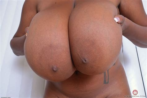 Rachel Raxxx Nude Boobs Photos