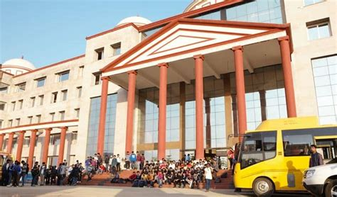 U Of R Mba Cost by K R Mangalam Fee Structure 2018 19 Krmangalam