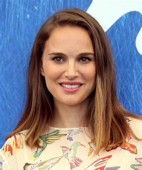 natalie portman medium straight casual bob hairstyle brunette hair color