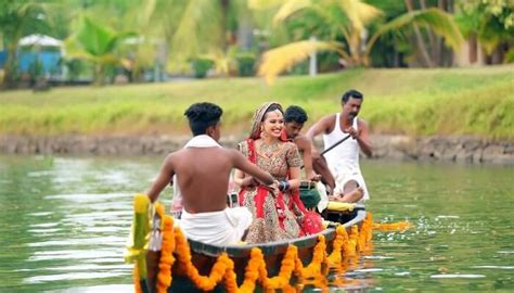 destination wedding  kerala backwaters houseboat