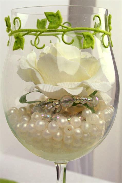 Tischdeko Glas Hochzeit by Tischdeko Glas Mit Perlen Und Gef 252 Llt Dekovlies