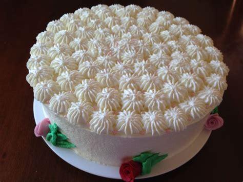 pasteles decorados con chantilly pastel pan de vainilla con relleno de crema de casta 241 as y