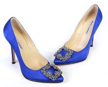 sepatu impian wanita indonesia stiletto biru manolo blahnik