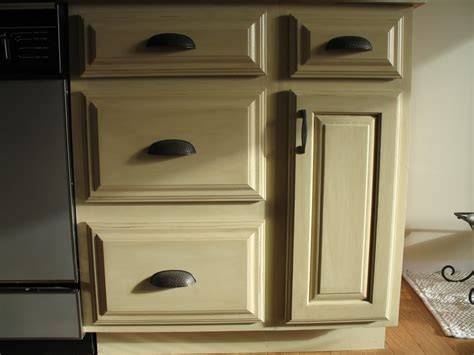 painting oak kitchen cabinets