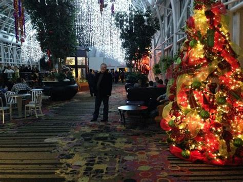 christmas at the galt house main 3rd floor bar picture of galt house hotel louisville tripadvisor