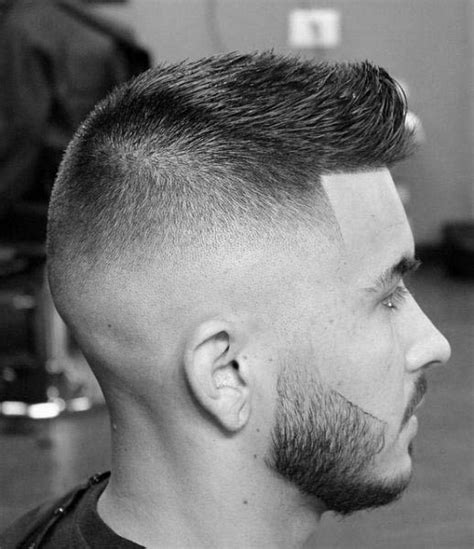 low cut hair styles 50 low fade haircuts for men a stylish middle