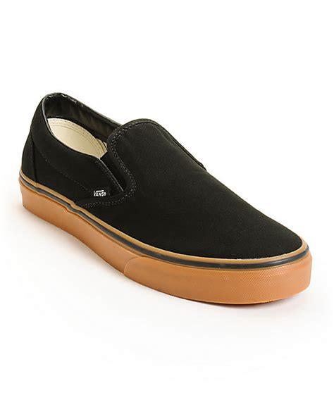 vans classic slip on skate shoes mens at zumiez pdp