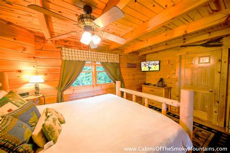 1 bedroom cabins in gatlinburg tn smoky mountains pigeon forge cabin all knotty 1 bedroom sleeps 4