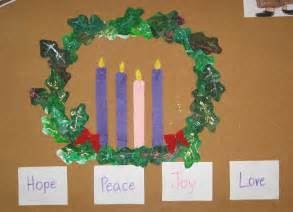 Own printable advent wreath using simple art supplies you have at home