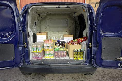 banco de alimentos caritas trabajadores de remica colaboran con el banco de alimentos