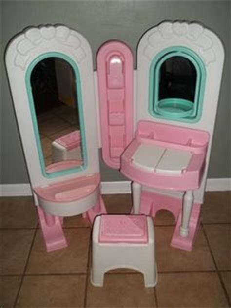 Fisher Price Makeup Vanity by 1000 Images About Stuff On Tikes