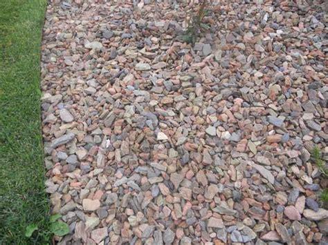 Landscape Rock Mulch 1 Crestwood Landscape Rock Wolverine Rock And Mulch