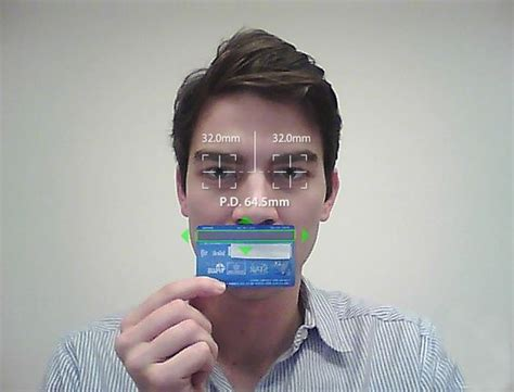 measure your pupillary distance pd using credit cards